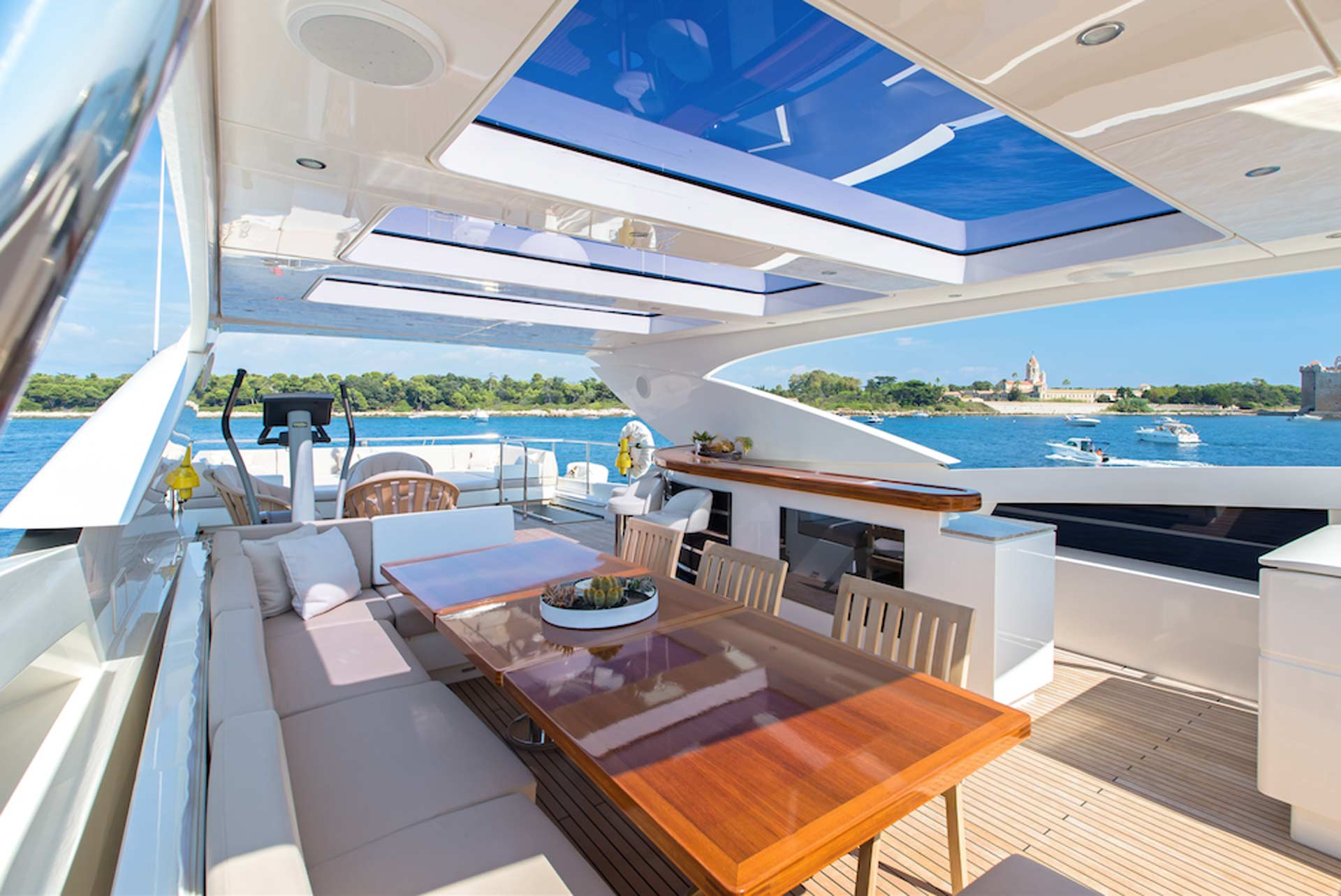 Take a breath of Yachting air