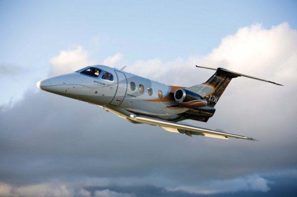 Phenom 100 - Embraer